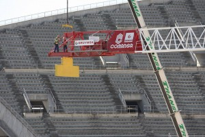 Una grúa Linden Comansa LC2074 ES72 en el Nuevo Estadio Atlético de Madrid