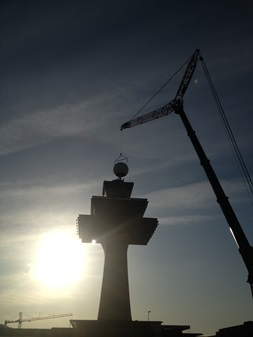 Grove GMK7550 comparte el espacio aéreo con el tráfico aéreo Dulles