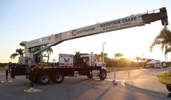 National Crane mueve piezas del World Trade Center