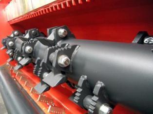 Nuevos modelos de trituradoras polivalentes BV 100 PRO de KUHN