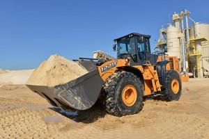 CASE presenta la potente cargadoras de ruedas 1221F para el mercado americano