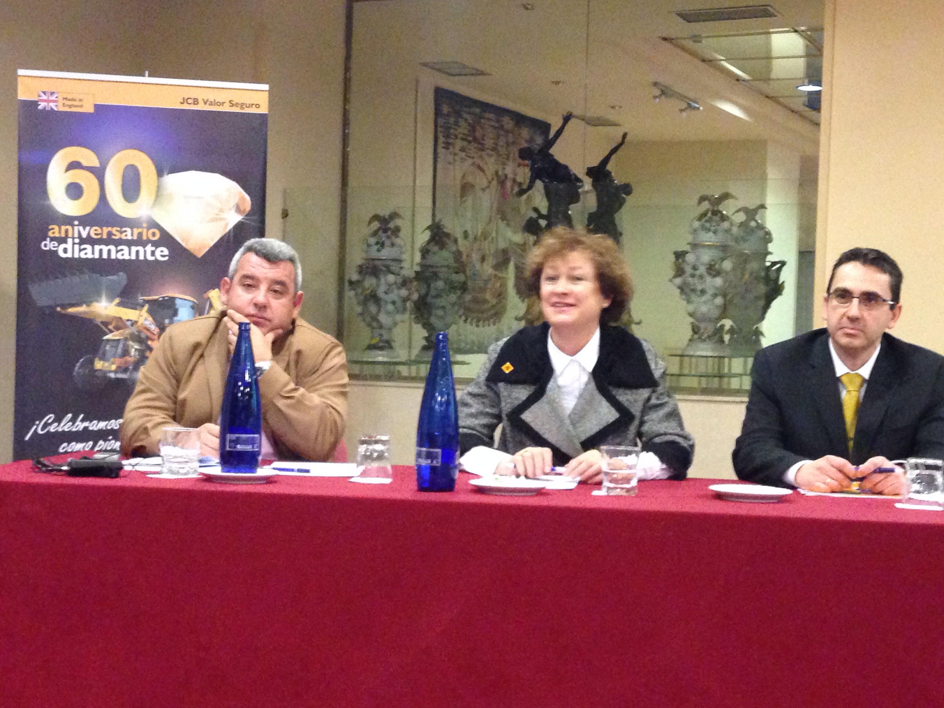 JCB celebra el 60 aniversario de su primera retrocargadora