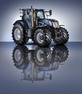 New Holland celebra 50 años de fabricación de tractores en Basildon