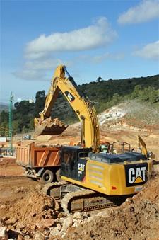 La primera excavadora Cat híbrida, la 336E Hybrid, ya está trabajando en España
