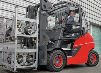 Carretillas contrapesadas eléctricas Linde con capacidades de carga de 6 a 8 toneladas