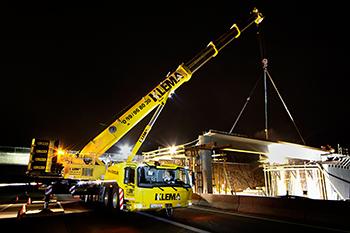 Una Grove GMK6400 trabaja 400 horas en cuatro meses en Alemania