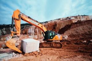 Un encuentro con la excelencia: la excavadora Case CX470C trabajando en las canteras de Botticino.