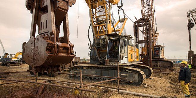 Máquinas #Liebherr en el Canal de Suez