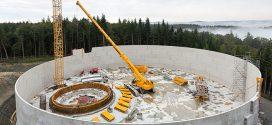 Una grúa móvil telescópica #Liebherr LTR 1220 en el noreste de Baden-Württemberg