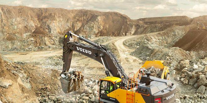 La #Excavadora de orugas #EC750E de #Volvo en #Conexpo