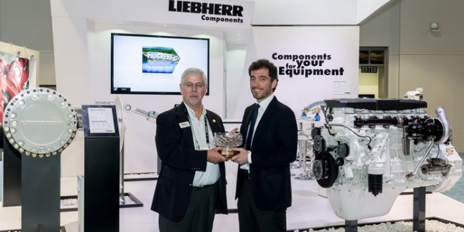 #Liebherr recibe el Premio Newsmaker del año 2016 en #Conexpo