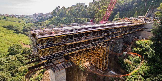 Múltiples aplicaciones del Sistema MK de Ulma en el Viaducto Interlomas, México