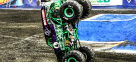 Los gigantescos Monster Truck, equipados con neumáticos BKT especiales
