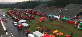 """Escuelas secundarias de Vysočinaparticipan en el proyecto con Zetor """"Build Your Own Tractor"""""""