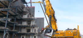 La excavadora de demolición Liebherr más grande de Europa en acción