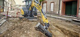 YANMAR celebra el 50º aniversario de su primera mini-excavadora