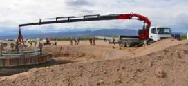 Una grúa Fassi F660RA para energía eólica renovable
