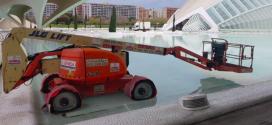 Una plataforma JLG 600AJ de Jofemesa en La Ciudad de las Artes y Ciencias de Valencia