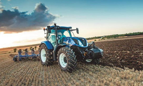 El distribuidor de New Holland T H WHITE en Grassland UK