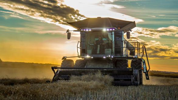 AGCO presenta laIDEAL Combine en el Canada Farm Progress Show