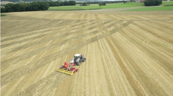 La sembradora de cultivo de cobertura Pöttinger TEGOSEM