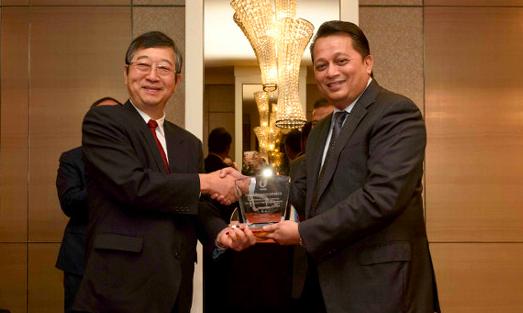 Komatsu y UMW crean una empresa conjunta de equipos de construcción y minería