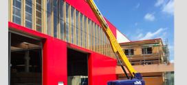 MAYER recibe la primera plataforma GENIE® SX™-105 XC™ en Alemania
