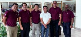 Cuatro grúas Grove GMK4100L más para el distribuidor en Indonesia