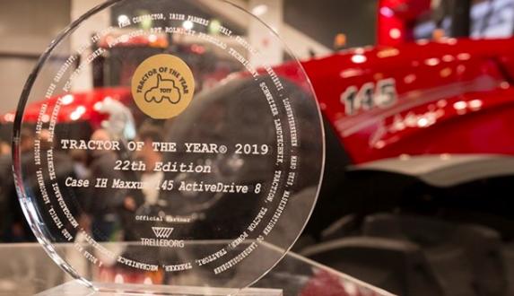 El Case IH Maxxum 145 Multicontroller recibe el título de Tractor del año y Mejor diseño 2019