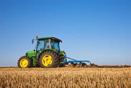 Nuevos tractores John Deere 4M y 5E para aplicaciones comerciales y   de paisajismo