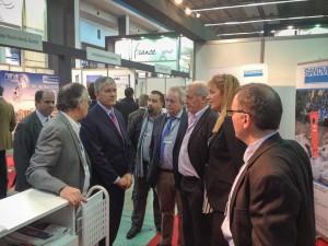 El embajador francés en Argelia visita el stand de Sandvik en el SITP
