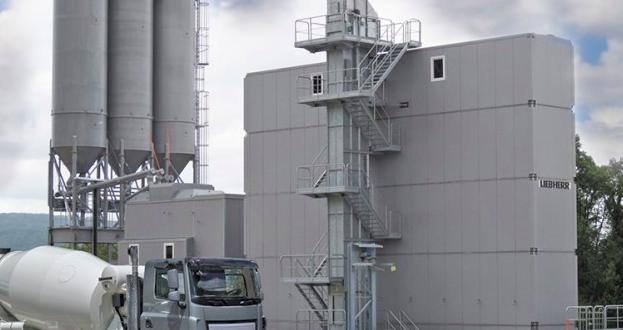 Nuevo torre móvil Liebherr para plantas de hormigón
