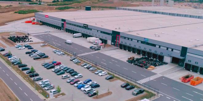 Bobcat mejora el servicio al cliente en la región EMEA con nuevo centro de distribución de repuestos