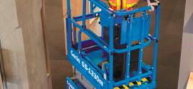 La plataforma de tijera GENIE® GS™-1330m diseñada para una maniobrabilidad compacta