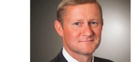 Deere elige a John May como presidente y director de operaciones
