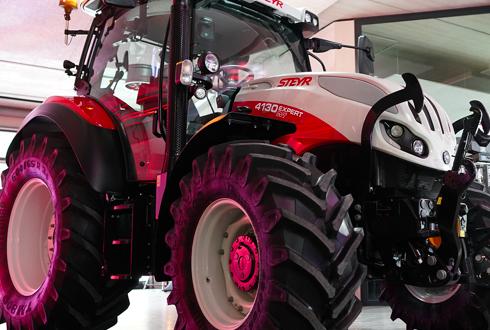 Nuevo tractor de gama superior y tamaňo compacto  Steyr Expert CVT